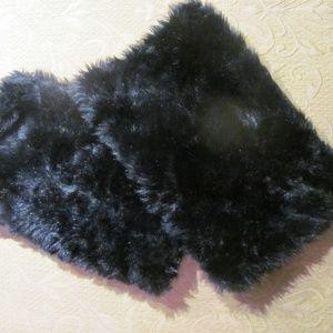 Accessories - Black  Faux Fur Leg Warmer/Boot Tops
